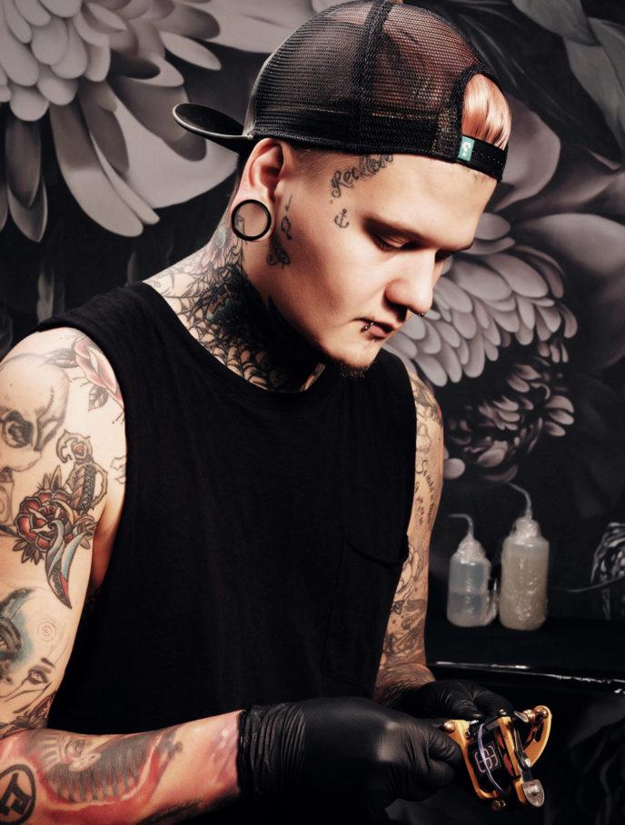 Mitja Alder, tatuointitaiteilija